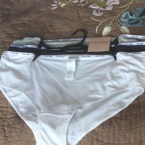 Calvin Klein  hipster.3 pack.Size 3x